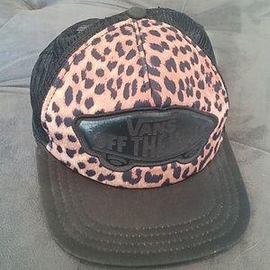 Van's leopard print trucker hat